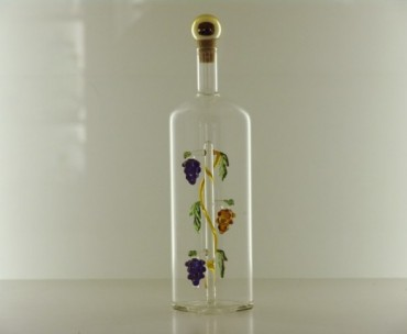 SQUARE BOTTLE WITH GRAPE